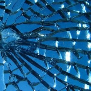 BrokenGlass480